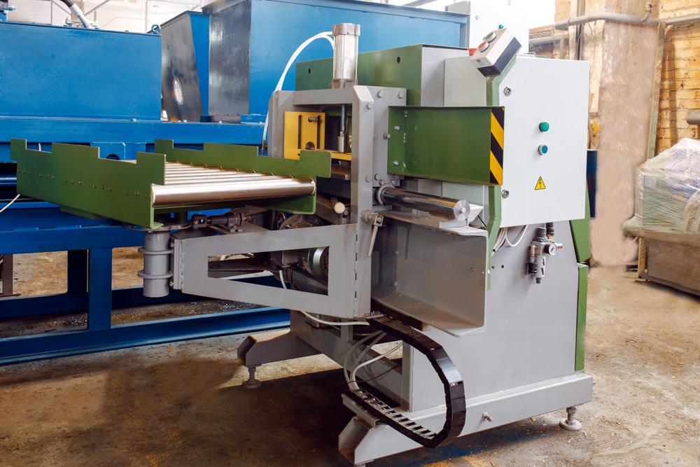 Spine-cutting machine ShSK-500
